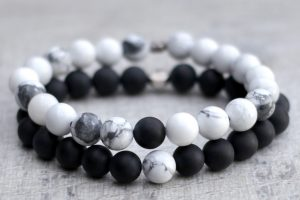 couples-bracelet-set-onyx-howlite-02
